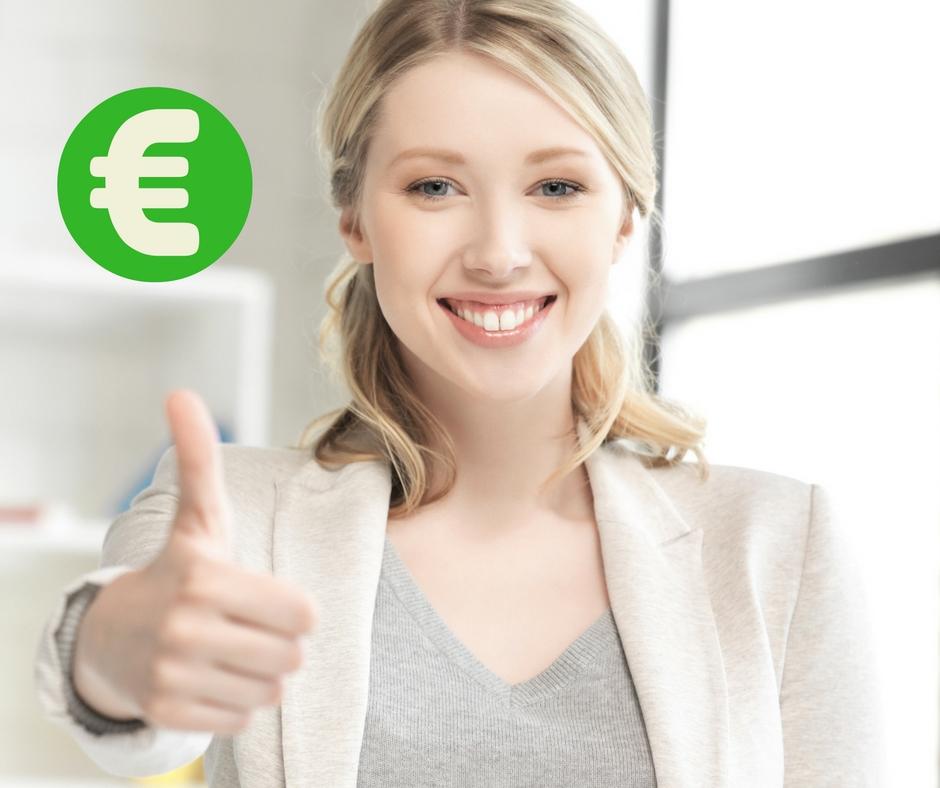 junge Frau Kreditnehmer Daumen hoch